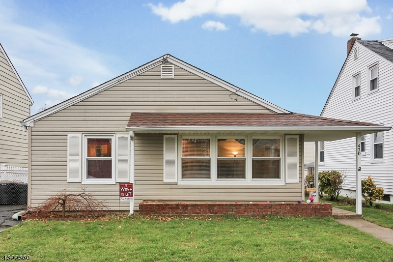 Casa Unifamiliar por un Venta en 420 Beech Avenue Garwood, Nueva Jersey 07027 Estados Unidos