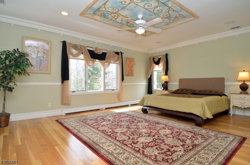 Additional photo for property listing at 115 Seminary Drive  Mahwah, New Jersey 07430 United States