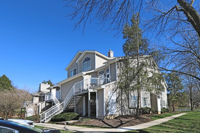 Maison unifamiliale pour l à louer à 38 Ray Court Bedminster, New Jersey 07921 États-Unis