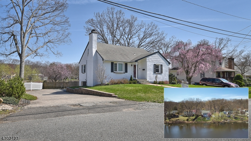 Single Family Home for Sale at 21 SUNRISE Avenue Bloomingdale, New Jersey 07403 United States