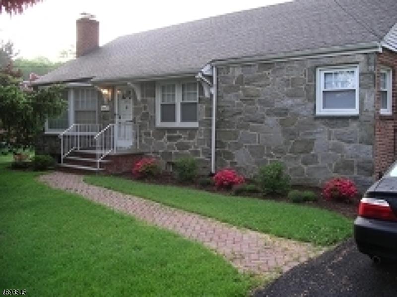 Maison unifamiliale pour l à louer à 182 Springfield Avenue Berkeley Heights, New Jersey 07922 États-Unis