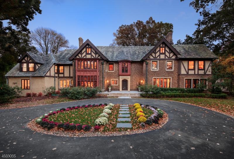 Частный односемейный дом для того Продажа на 200 Hobart Avenue Summit, Нью-Джерси 07901 Соединенные Штаты