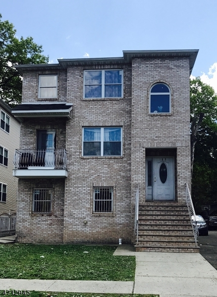 Многосемейный дом для того Продажа на 102 S Burnett Street East Orange, 07018 Соединенные Штаты