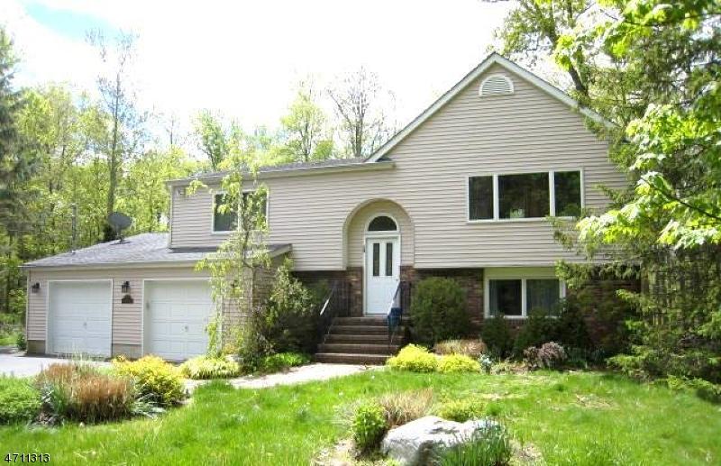 Частный односемейный дом для того Аренда на 1 Camp Mohican Road Blairstown, Нью-Джерси 07825 Соединенные Штаты