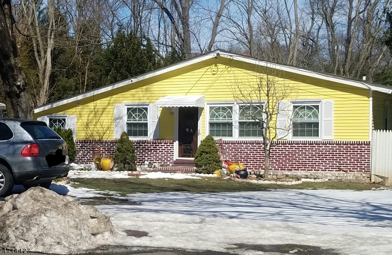 Single Family Home for Sale at 111 Washington Road West Windsor, New Jersey 08540 United States