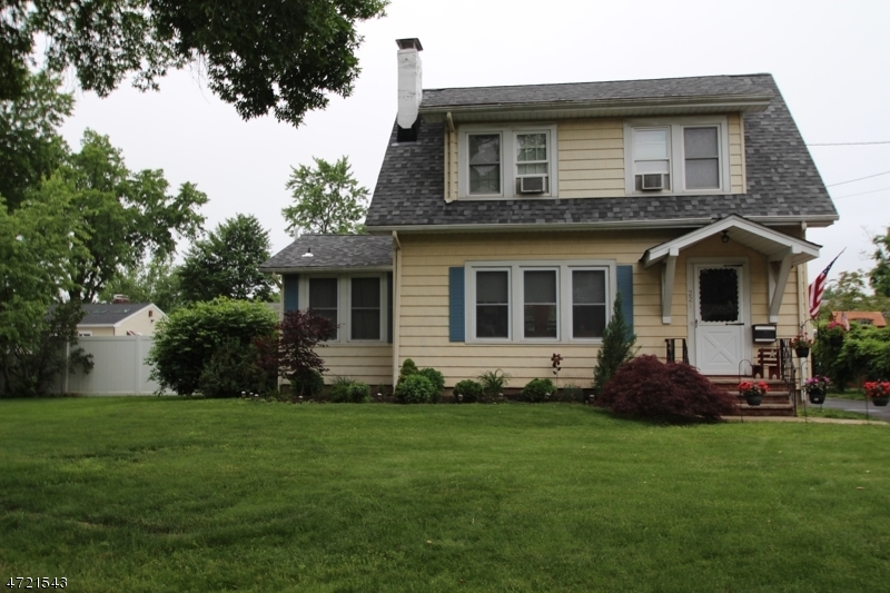 Single Family Home for Sale at 221 Fairview Ave Middlesex, 08846 United States