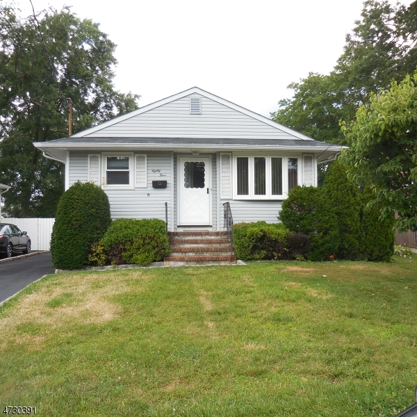 Single Family Home for Sale at 84 Jefferson Street South Bound Brook, New Jersey 08880 United States