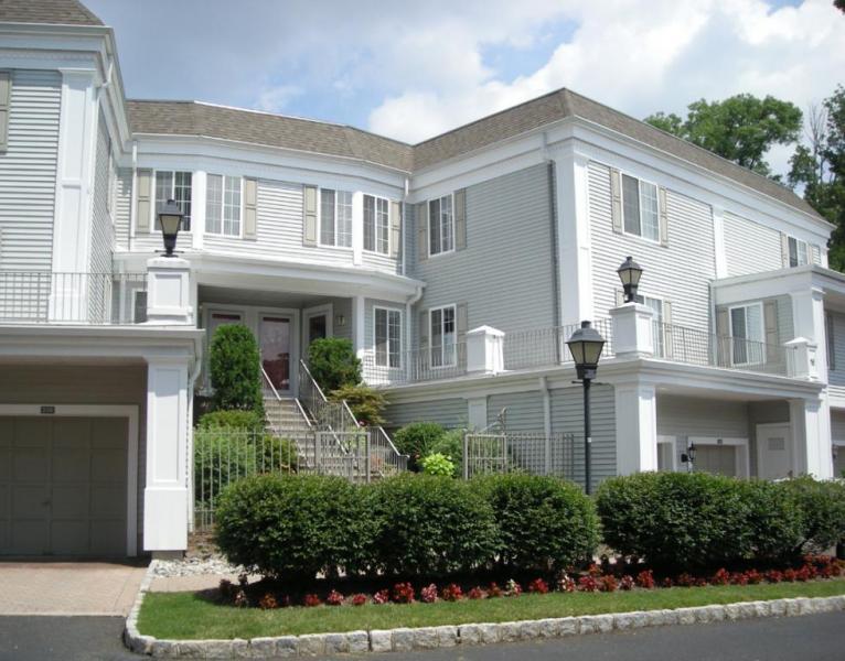 独户住宅 为 销售 在 236 Riveredge Drive 查塔姆, 新泽西州 07928 美国