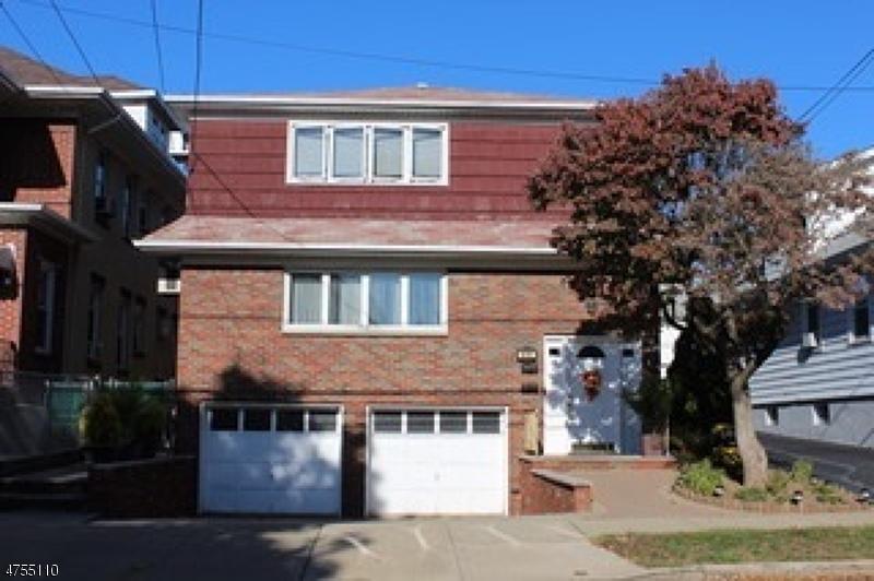 Многосемейный дом для того Продажа на 611 Lake Avenue Lyndhurst, Нью-Джерси 07071 Соединенные Штаты
