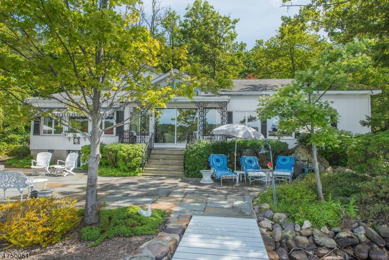 Casa Unifamiliar por un Venta en 38 Lake End Road Rockaway, Nueva Jersey 07435 Estados Unidos