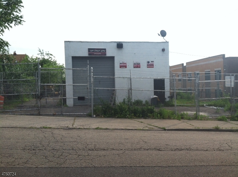商用 为 出租 在 91 CLIFF Street Paterson, 新泽西州 07522 美国