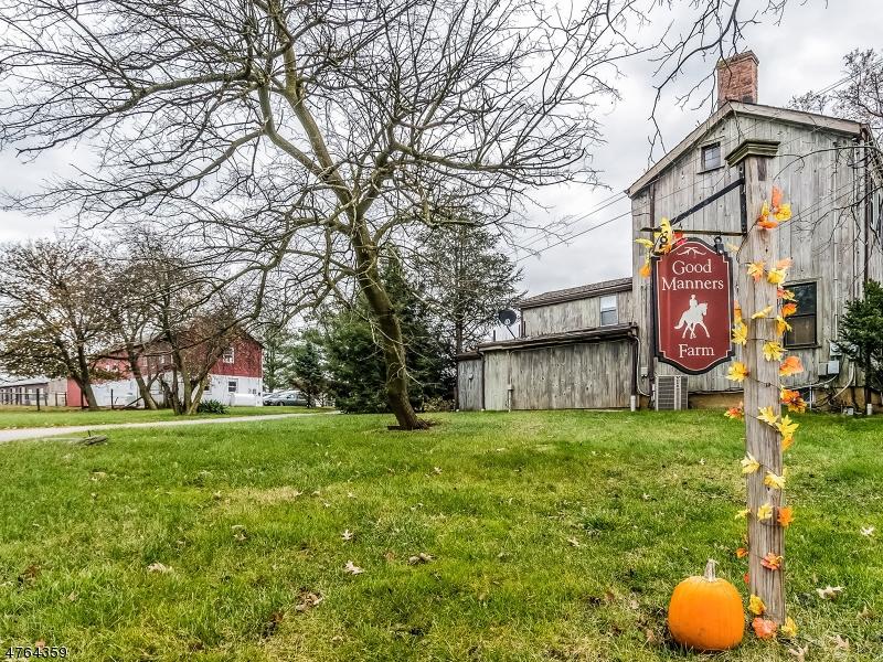 Частный односемейный дом для того Продажа на 130 Manners Road East Amwell, Нью-Джерси 08551 Соединенные Штаты
