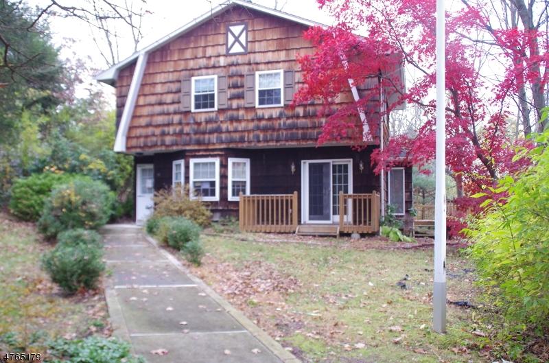 独户住宅 为 出租 在 15 Davenport Road 西米尔福德, 新泽西州 07438 美国
