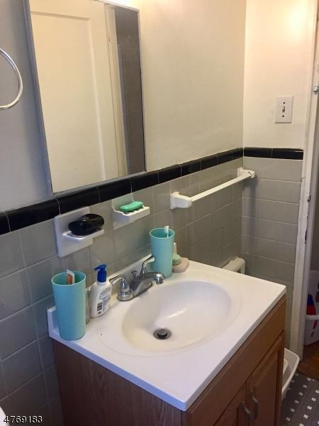 独户住宅 为 出租 在 445 Morris Ave, 13-D 斯普林菲尔德, 新泽西州 07081 美国