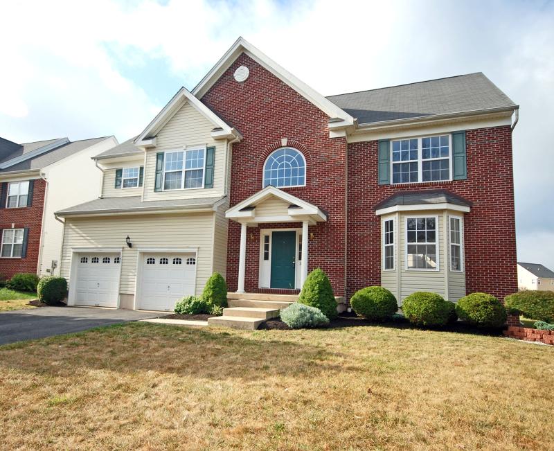Casa Unifamiliar por un Alquiler en 12 Goldstar Drive Franklin, Nueva Jersey 08540 Estados Unidos
