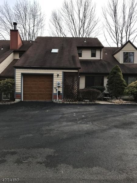 独户住宅 为 销售 在 1005 Bryan Court Mine Hill, 新泽西州 07803 美国