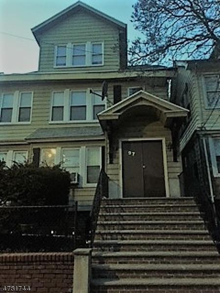 多戶家庭房屋 為 出售 在 97-99 SCHUYLER Avenue Newark, 新澤西州 07112 美國