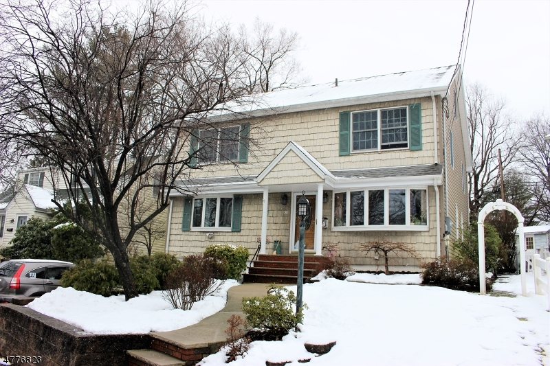 Single Family Home for Sale at 38 Golf Road 38 Golf Road Bloomfield, New Jersey 07003 United States