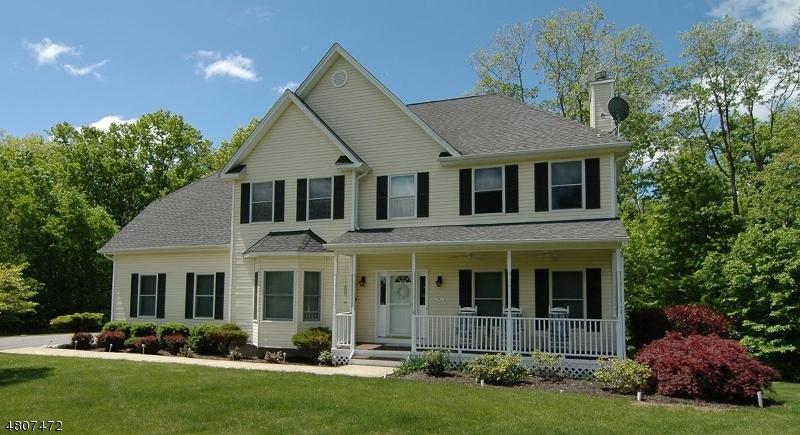 Enfamiljshus för Försäljning vid 179 Millbrook Road Hardwick, New Jersey 07825 Usa
