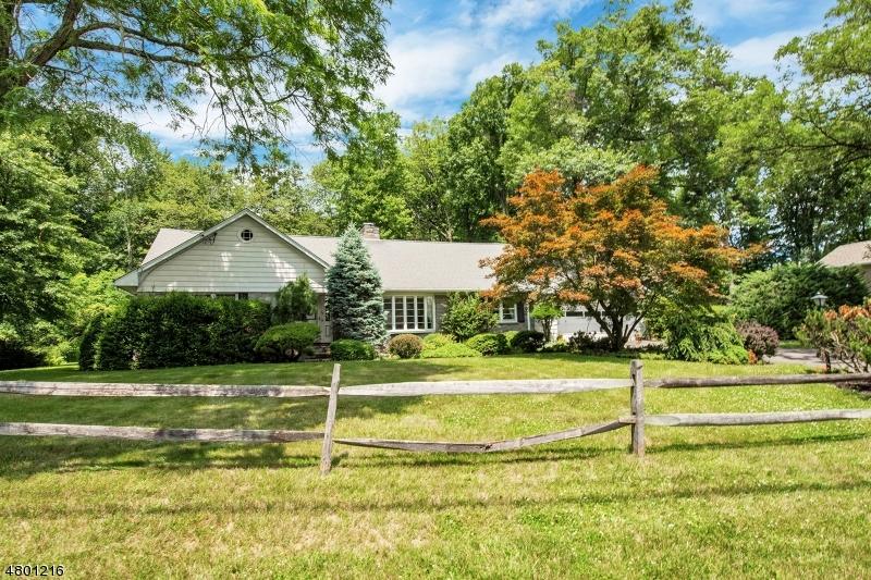 Частный односемейный дом для того Продажа на 50 Sun Valley Way Morris Plains, Нью-Джерси 07950 Соединенные Штаты