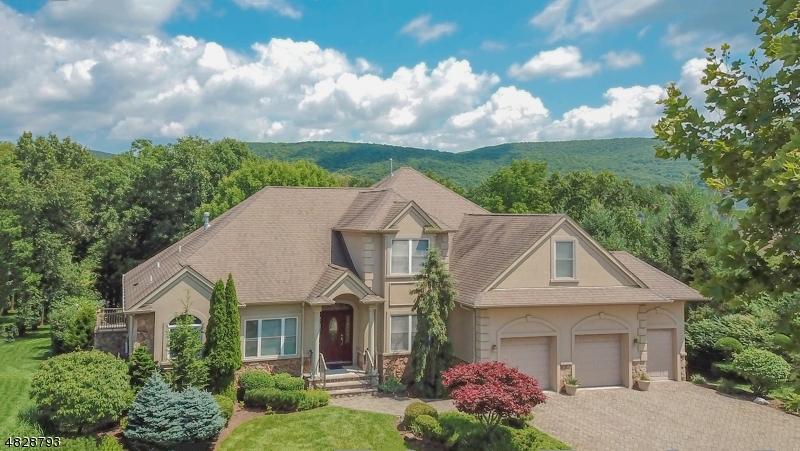 Частный односемейный дом для того Продажа на 5 BRACKEN HILL Road Hardyston, Нью-Джерси 07419 Соединенные Штаты