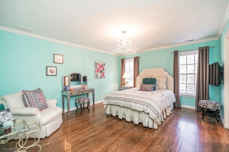 Additional photo for property listing at 135 BELLEVUE AVE 135 BELLEVUE AVE Summit, New Jersey 07901 United States