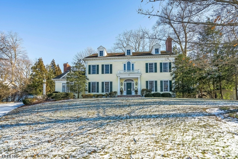 Single Family Home for Sale at 135 BELLEVUE AVE 135 BELLEVUE AVE Summit, New Jersey 07901 United States