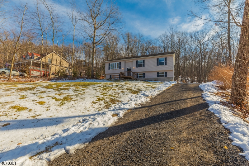 Single Family Home for Sale at 23 Fawn Run Montague, New Jersey 07827 United States