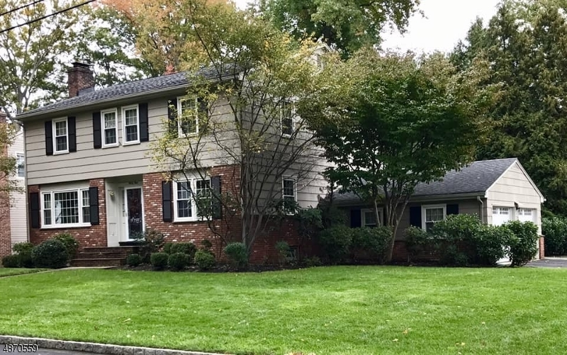 Single Family Home for Sale at 42 BROOKDALE Place Cranford, New Jersey 07016 United States