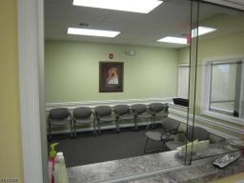 商用 为 销售 在 2280 SPRINGFIELD Avenue Union, 新泽西州 07088 美国