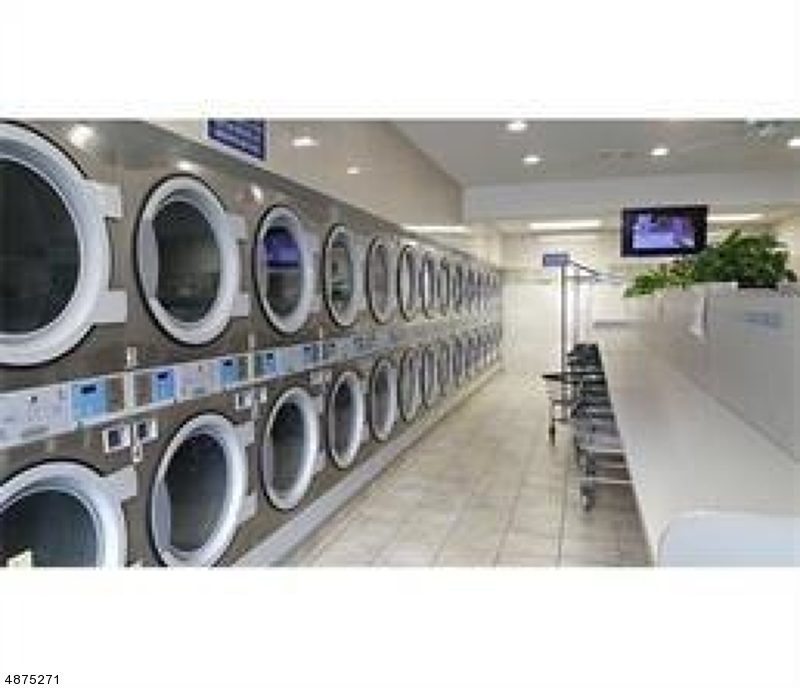 Commercial for Sale at Address Not Available Paterson, New Jersey 07522 United States