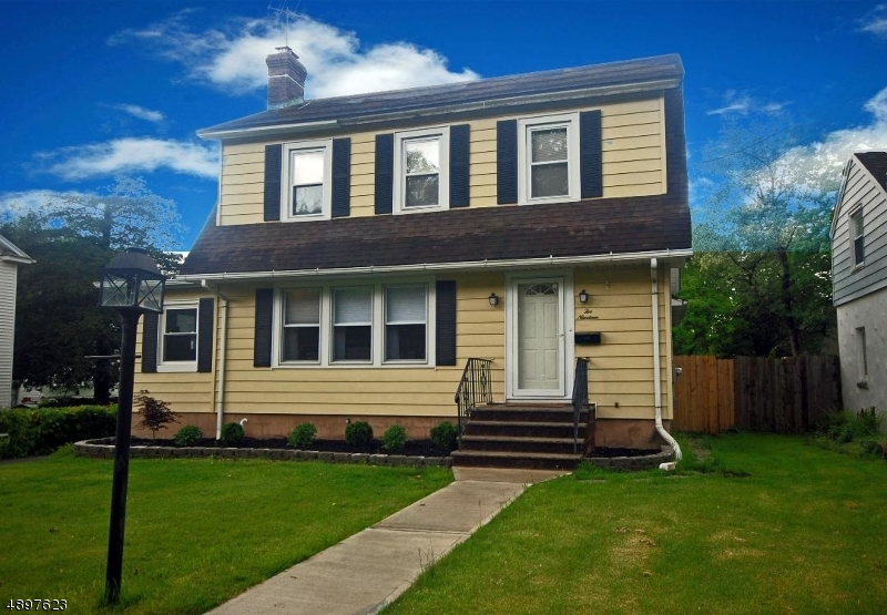 Single Family Home for Sale at North Plainfield, New Jersey 07063 United States