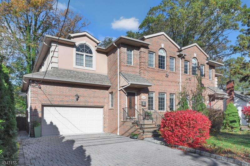 Condo / Casa geminada para Venda às Fort Lee, Nova Jersey 07024 Estados Unidos