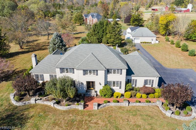 Single Family Homes для того Продажа на Readington Township, Нью-Джерси 08889 Соединенные Штаты