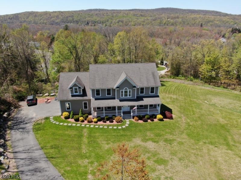 Single Family Homes 为 销售 在 Ogdensburg, 新泽西州 07439 美国