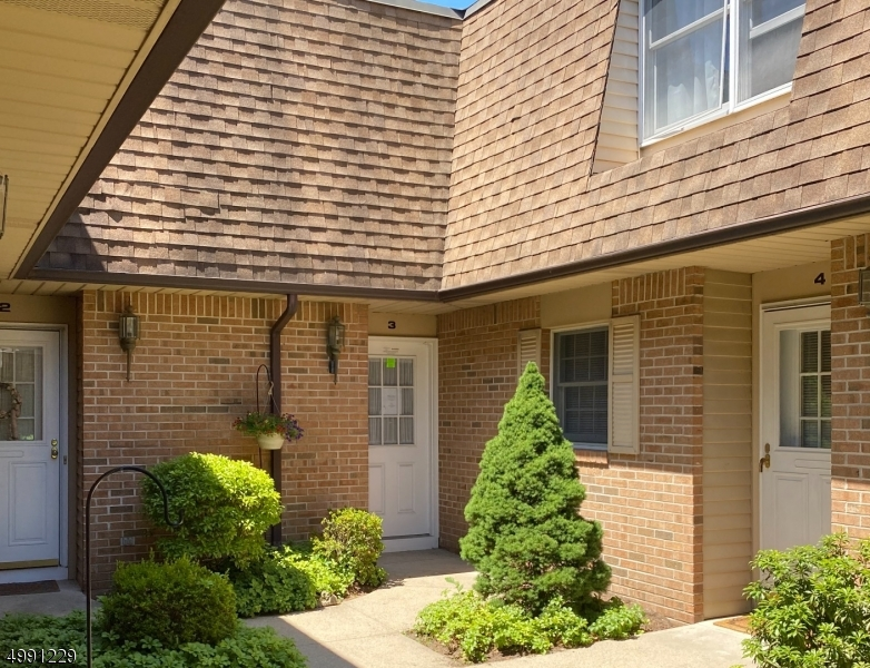 Condo / Townhouse for Sale at River Vale, New Jersey 07675 United States
