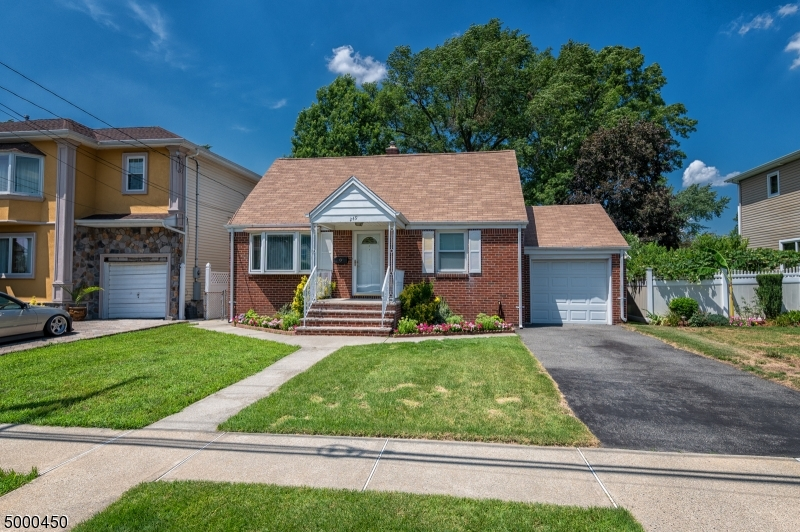 Single Family Homes 为 销售 在 埃尔姆沃德帕克, 新泽西州 07407 美国