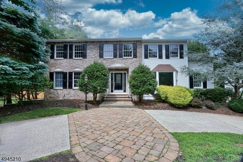 Single Family Homes für Verkauf beim Ridgewood, New Jersey 07450 Vereinigte Staaten