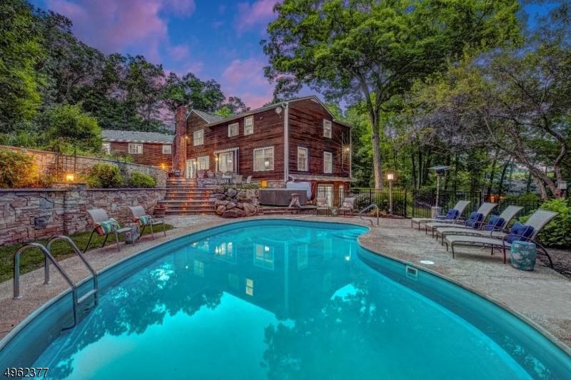 Single Family Homes por un Venta en Kinnelon, Nueva Jersey 07405 Estados Unidos