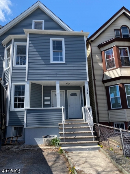 Multi-Family Homes για την Πώληση στο East Orange, Νιου Τζερσεϋ 07017 Ηνωμένες Πολιτείες