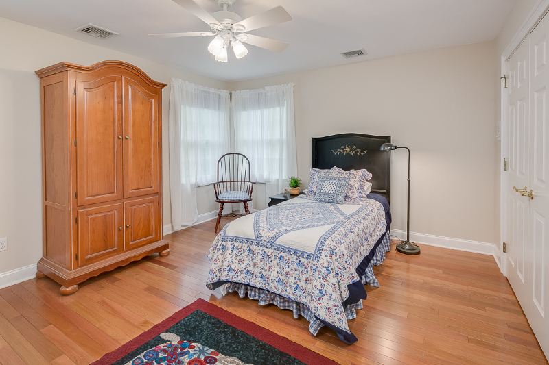 Additional photo for property listing at 3 Snuffys Lane  Lebanon, New Jersey 08833 États-Unis