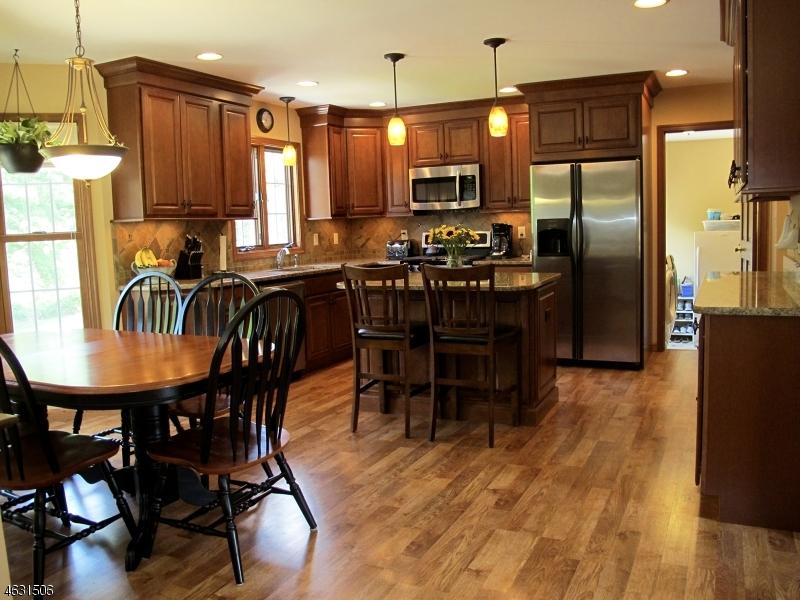 Частный односемейный дом для того Продажа на 17 Lauren Lane Sussex, Нью-Джерси 07461 Соединенные Штаты