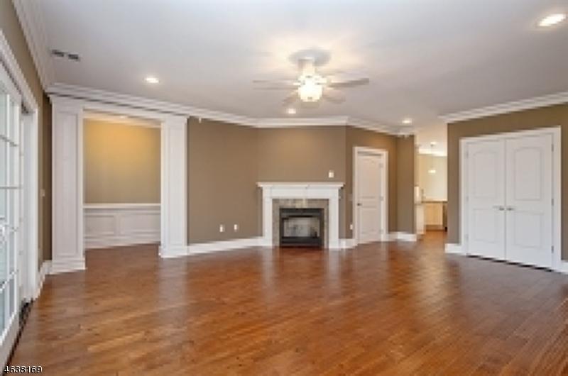 Casa Unifamiliar por un Venta en 3 Schmidt Circle Watchung, Nueva Jersey 07069 Estados Unidos