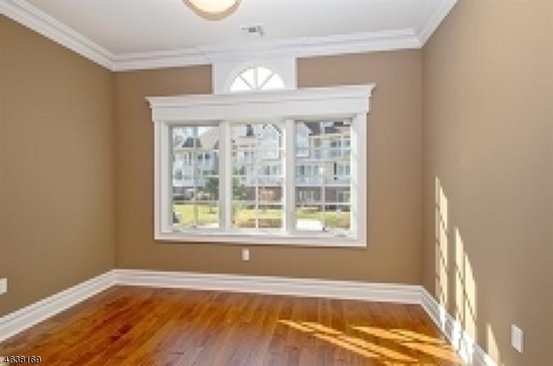 Additional photo for property listing at 3 Schmidt Circle  Watchung, Nueva Jersey 07069 Estados Unidos