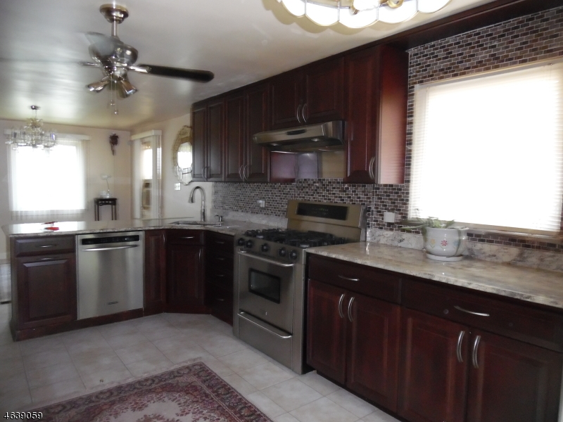 Additional photo for property listing at 21 ALISON Road  Roselle, Nueva Jersey 07203 Estados Unidos
