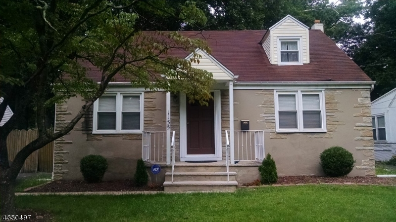 Additional photo for property listing at 1135 Inwood Place  Plainfield, New Jersey 07062 États-Unis
