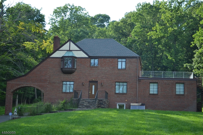 Maison unifamiliale pour l Vente à 77 East Drive Watchung, New Jersey 07069 États-Unis