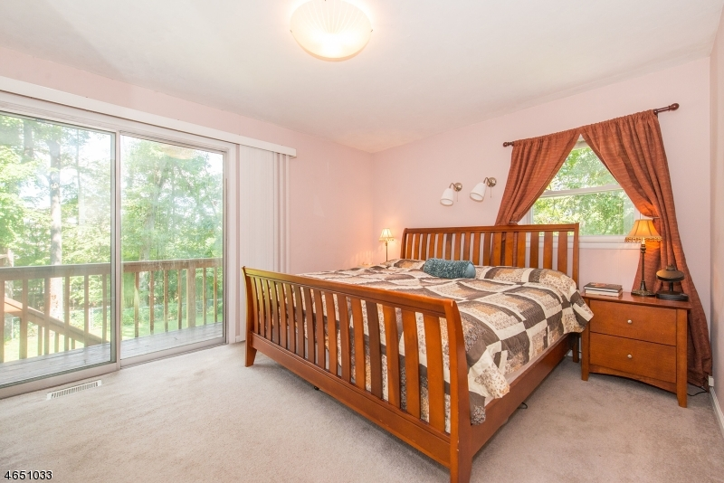 Additional photo for property listing at 7 Alpine Drive  Butler, New Jersey 07405 États-Unis