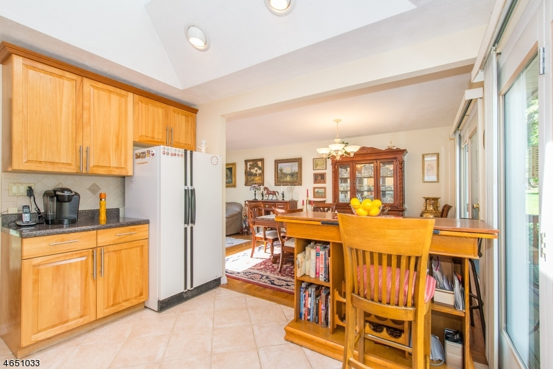 Additional photo for property listing at 7 Alpine Drive  Butler, 新泽西州 07405 美国