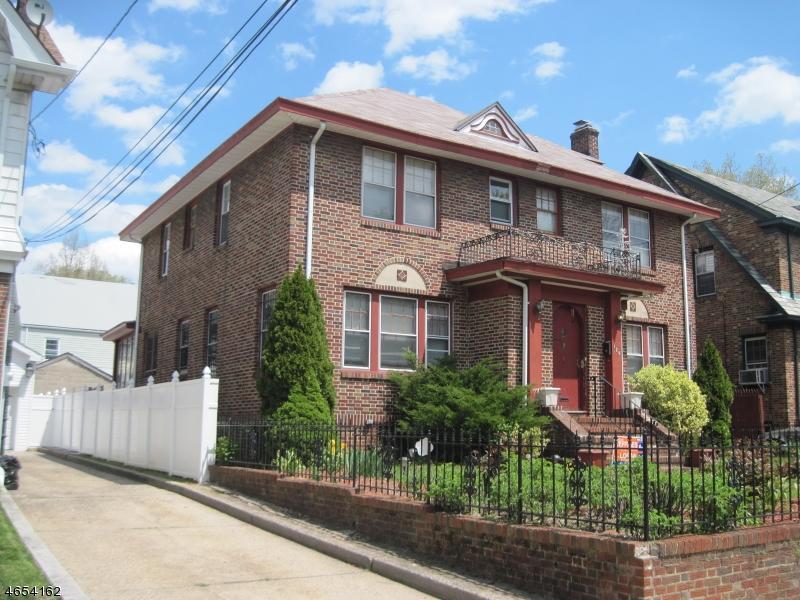 Частный односемейный дом для того Продажа на 129-131 KEER Avenue Newark, Нью-Джерси 07112 Соединенные Штаты